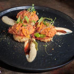 Spicy tuna na krekerima od riže s teriyaki majonezom - VolimLjuto.com
