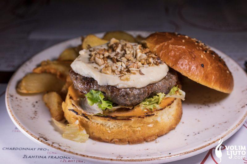 Najbolji burgeri u Zagrebu - Top 29 lokacija i dostava burgera 218