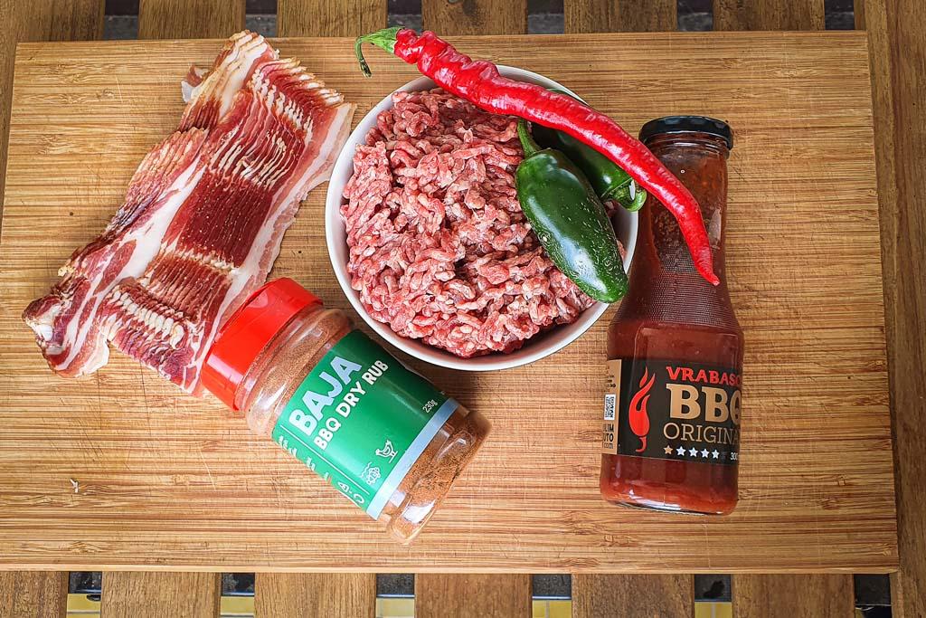 Špek bomba - mesna rolada sa špekom i ljutim papričicama 9
